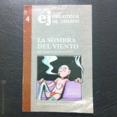 Collectionnisme de Magazine El Jueves: EL JUEVES BIBLIOTECA DE VERANO Nº 4 - LA SOMBRA DEL VIENTO DESTRIPADO POR PALLARÉS.. Lote 47820341