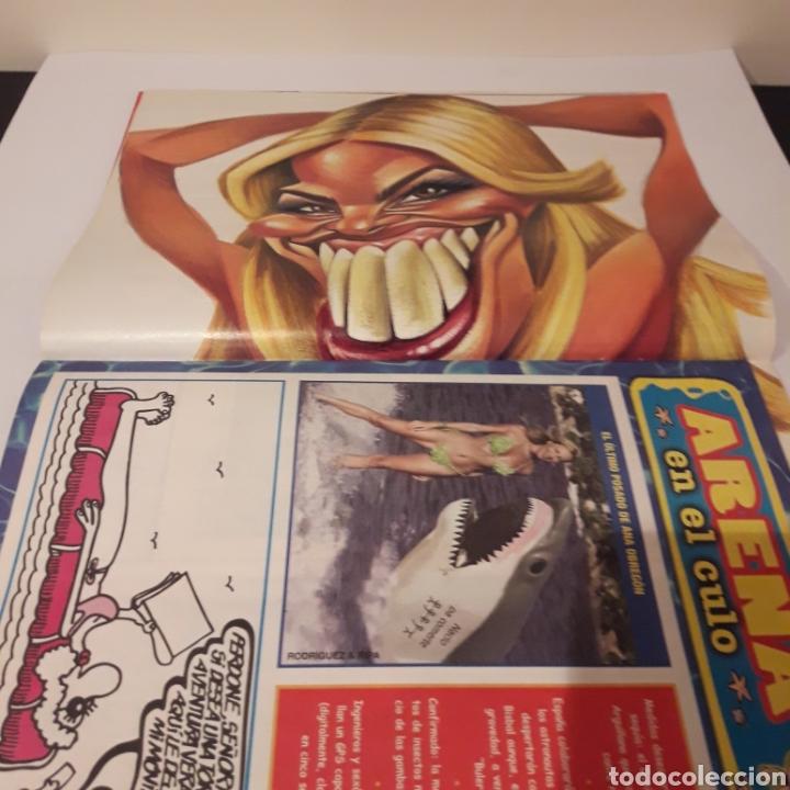 Coleccionismo de Revista El Jueves: El Jueves. 2005. Caso Roquetas. Poster Paula Vazquez. - Foto 3 - 216915353