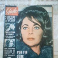 Coleccionismo de Revista Garbo: GARBO Nº 567 - BALDUINO Y FABIOLA / LIZ TAYLOR / CHRISTINA KEELER. Lote 210813514