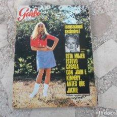 Coleccionismo de Revista Garbo: GARBO Nº 729, RONALD REAGAN, GIANNI MORANDI, LOS BEATLES OTRA VEZ JUNTOS, RAQUEL WELCH SE CASA. Lote 221107550