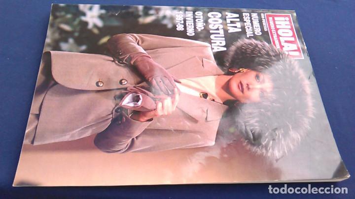 Coleccionismo de Revista Hola: Revista HOLA, número especial de Alta Costura. otoño invierno 1997-98. Modelos MODA DE LOS años 90. - Foto 21 - 99824503