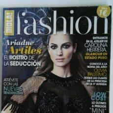 Coleccionismo de Revista Hola: HOLA! FASHION NOS VAMOS DE BODA VESTIDOS TOCADOS. Lote 118032926