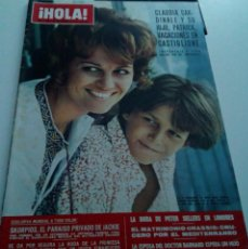 Coleccionismo de Revista Hola: CLAUDIA CARDINALE.JACKIE ONASSIS.PETER SELLERS.CRISTINA SUECIA.BARNARD.REVISTA HOLA Nº 1.358.1970.. Lote 152518514