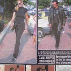 Coleccionismo de Revista Hola: RECORTE REVISTA HOLA Nº 2775 1997 CLAUDIA SCHIFFER Y DAVID COPPERFIELD. Lote 159030338