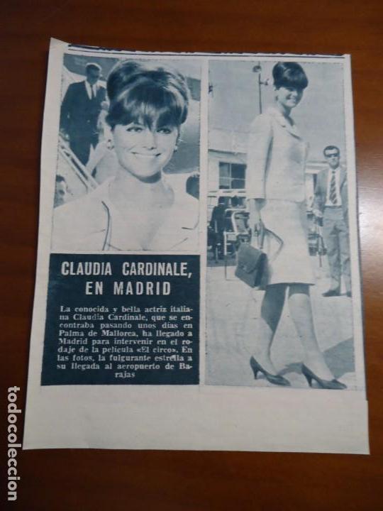 Coleccionismo de Revista Hola: Recorte revista hola año 1963 pequeño articulo Claudia Cardinale - Foto 2 - 159363314