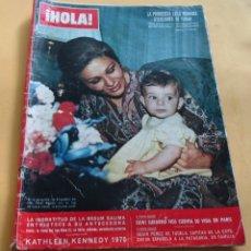 Coleccionismo de Revista Hola: HOLA N º 1375 - CESAR PEREZ DE TUDELA - AUDREY HEPBURN - KATHLEEN KENNEDY 1970 - ENERO 1967. Lote 173668565