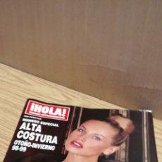 Coleccionismo de Revista Hola: REVISTA HOLA ALTA COSTURA: ADRIANA SKLENARIKOVA/KAREMBEU. Lote 176423920