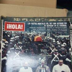 Coleccionismo de Revista Hola: REVISTA HOLA LOS RESTOS MORTALES DEL REY ALFONSO XIII YA DESCANSAN EN EL ESCORIAL 1980. Lote 179182316