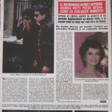 Coleccionismo de Revista Hola: RECORTE REVISTA HOLA Nº 1887 1980 AUDREY HEPBURN 2 PGS. Lote 179253885