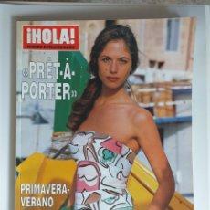 Coleccionismo de Revista Hola: HOLA NUMERO EXTRAORDINARIO PRET A PORTER PRIMAVERA-VERANO 2002. Lote 182684447