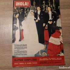 Coleccionismo de Revista Hola: HOLA 1066, ENERO 1965.BODA INÉS DE BORBON.EL CORDOBES,. Lote 184655295