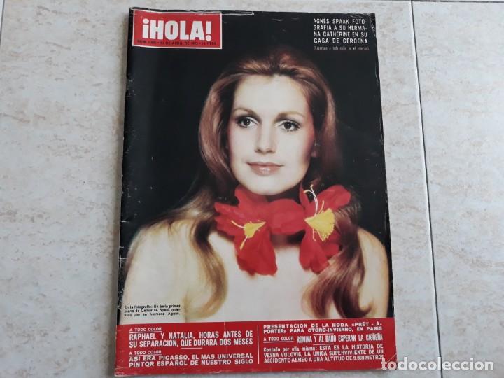 HOLA 1495,AÑO 1973.RAPHAEL Y NATALIA,CATHERINE SPAAK,MODA PARIS ,ETC.. (Coleccionismo - Revistas y Periódicos Modernos (a partir de 1.940) - Revista Hola)