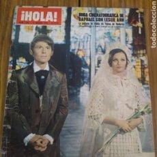 Coleccionismo de Revista Hola: REVISTA HOLA BODA CINEMATOGRÁFICA DE RAPHAEL CON LESLEY-ANN LA PELÍCULA PALMA DE MALLORCA. Lote 194634228
