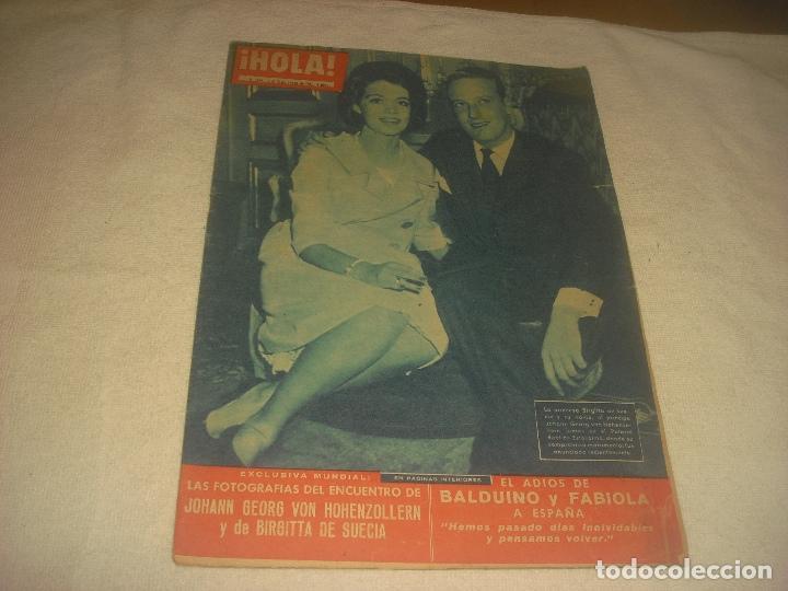 HOLA ! N. 854 , ENERO 1961, BRIGUITA, BALDUINO Y FABIOLA (Coleccionismo - Revistas y Periódicos Modernos (a partir de 1.940) - Revista Hola)