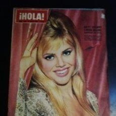Coleccionismo de Revista Hola: REVISTA HOLA. Nº 1041. 1964. BRITT EKLUND Y PETER SELLER. DE AQUI SALIERON LOS BEATLES.. Lote 213116085