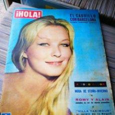 Coleccionismo de Revista Hola: REVISTA HOLA!- EL CAUDILLO CON BARCELONA, N°945,1962.. Lote 218084616