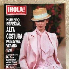 Coleccionismo de Revista Hola: HOLA. NÚMERO ESPECIAL ALTA COSTURA. MODA. DISEÑO. PRIMAVERA VERANO 1997. CLAUDIA SCHIFFER. ESPAÑA. Lote 225833355