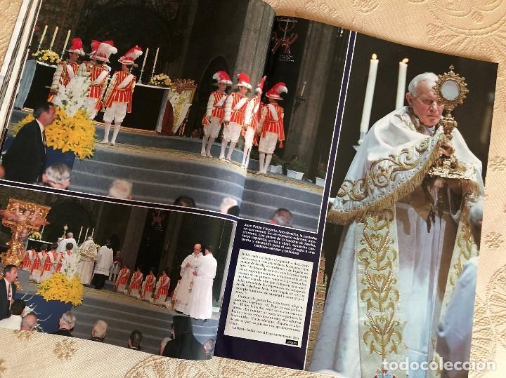Coleccionismo de Revista Hola: Revista Hola. Número 2.550. Visita del Papa Juan Pablo II a España. Sevilla. Madrid. Huelva. 1993. - Foto 4 - 226033030