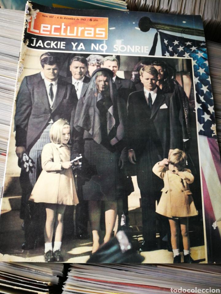 REVISTA LECTURAS- JACKIE YA NO SONRÍE (LA MUERTE DEL PRESIDENTE KENNEDY), N°607,1963. (Coleccionismo - Revistas y Periódicos Modernos (a partir de 1.940) - Revista Lecturas)