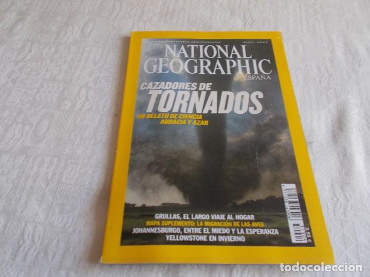 NATIONAL GEOGRAPHIC ABRIL 2004 CON MAPA SUPLEMENTO (Coleccionismo - Revistas y Periódicos Modernos (a partir de 1.940) - Revista National Geographic)