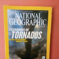Coleccionismo de National Geographic: NATIONAL GEOGRAPHIC ESPAÑA. CAZADORES DE TORNADOS UN RELATO DE CIENCIA AUDACIA Y AZAR. ABRIL 2004.. Lote 220189360