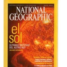 Coleccionismo de National Geographic: NATIONAL GEOGRAPHIC. EL SOL: ÚLTIMAS NOTICIAS DEL ASTRO REY. JULIO, 2004. (ST/B16). Lote 262897450