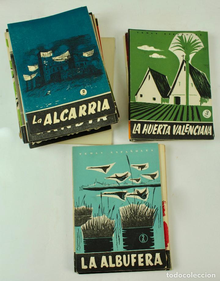 L- 4406. LOTE DE 75 REVISTAS TEMAS ESPAÑOLES, AÑOS 50/60. (Papel - Revistas y Periódicos Modernos (a partir de 1.940) - Revista Temas Españoles)