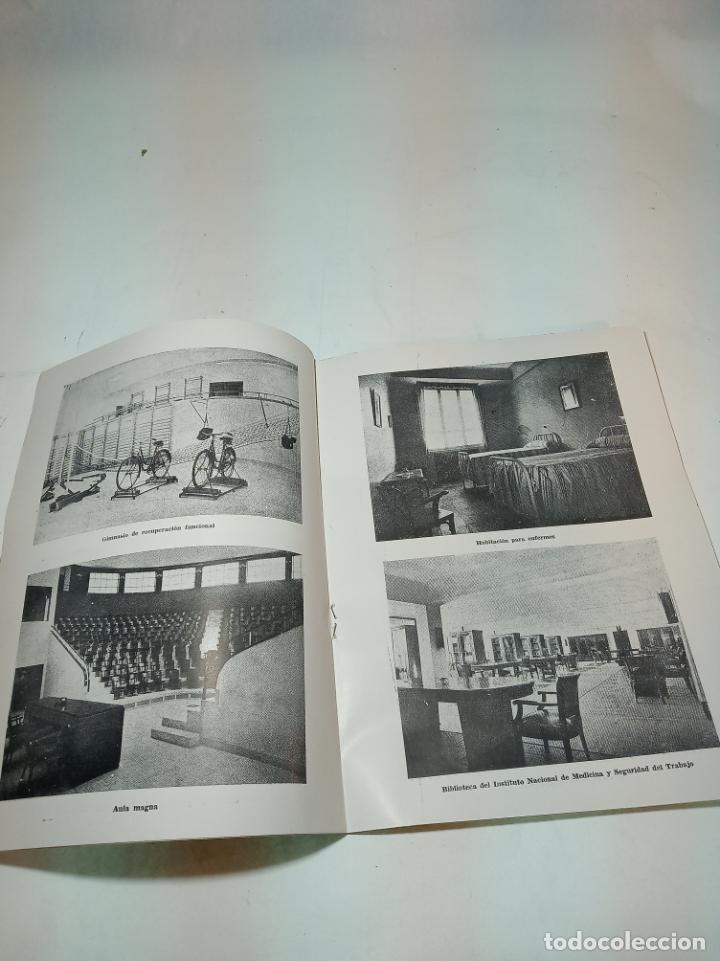 Coleccionismo de Revista Temas Españoles: Revista temas Españoles. Nº 61. Medicina del trabajo. Publicaciones Españolas. Madrid. 1956. - Foto 2 - 196928110