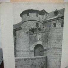 Coleccionismo de Revistas y Periódicos: + SIMANCAS VALLADOLID, FOTO GRAN TAMAÑO AÑO 1938. RECORTE DE REVISTA 2 PAGINAS 35 X 27 CM. Lote 28108432