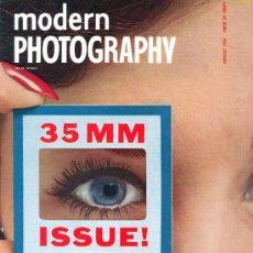 Coleccionismo de Revistas y Periódicos: REVISTA MODERN PHOTOGRAPHY - AGOSTO 1957. Lote 36514310