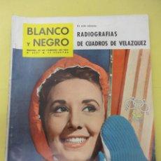 Coleccionismo de Revistas y Periódicos: OCHO REVISTAS BLANCO Y NEGRO. VARIOS AÑOS.. Lote 44170395