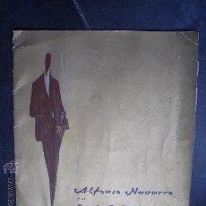 Coleccionismo de Revistas y Periódicos: LIBRO REVISTA GRANDE MODA ANTIGUA GIBRALTAR ALFONSO NAVARRO Y SU ESTILO VALENCIA 1968 ROPA TRAJES. Lote 27461173