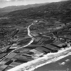 Coleccionismo de Revistas y Periódicos: COMARRUGA-SAN SALVADOR-VENDRELL 1928 VISTA AEREA NEGATIVO 12 X 12 CM.. Lote 59498335