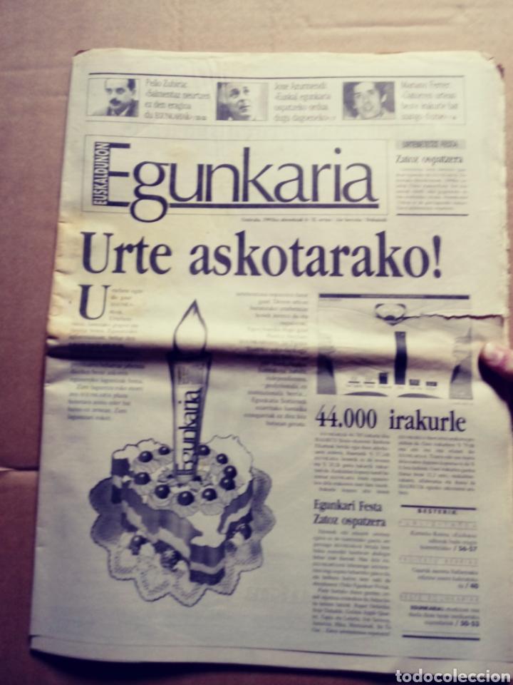 EGUNKARIA, EJEMPLAR ESPECIAL DEL PRIMER ANIVERSARIO. 6/12/1991. EUSKERA. VASCO (Coleccionismo - Revistas y Periódicos Modernos (a partir de 1.940) - Otros)