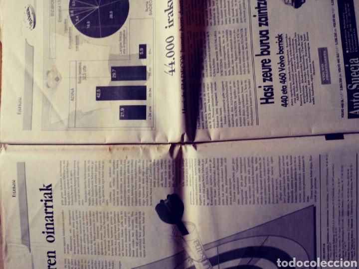 Coleccionismo de Revistas y Periódicos: Egunkaria, ejemplar especial del primer aniversario. 6/12/1991. Euskera. Vasco - Foto 4 - 117355719