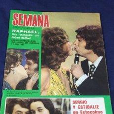 Coleccionismo de Revistas y Periódicos: REVISTA SEMANA 5 ABRIL 1975 RAPHAEL SERGIO Y ESTIBALIZ CLAUDIA CARDINALE LINA MORGAN 33,5X26CMS. Lote 132094514