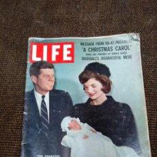 Coleccionismo de Revistas y Periódicos: REVISTA LIFE AÑO 1966 KENNEDY CON ANUNCIOS DE ÉPOCA Y REPORTAJES CURIOSOS. Lote 137570854