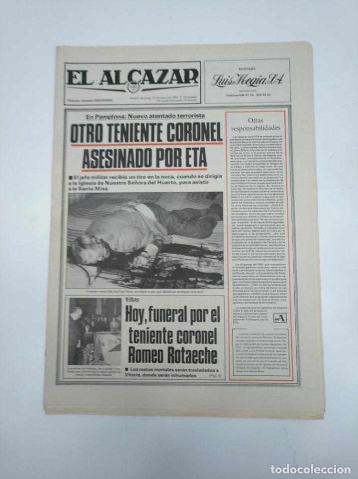 PERIODICO EL ALCAZAR. 22 MARZO DE 1981. OTRO TENIENTE CORONEL ASESINADO POR ETA. CAR132 (Coleccionismo - Revistas y Periódicos Modernos (a partir de 1.940) - Otros)