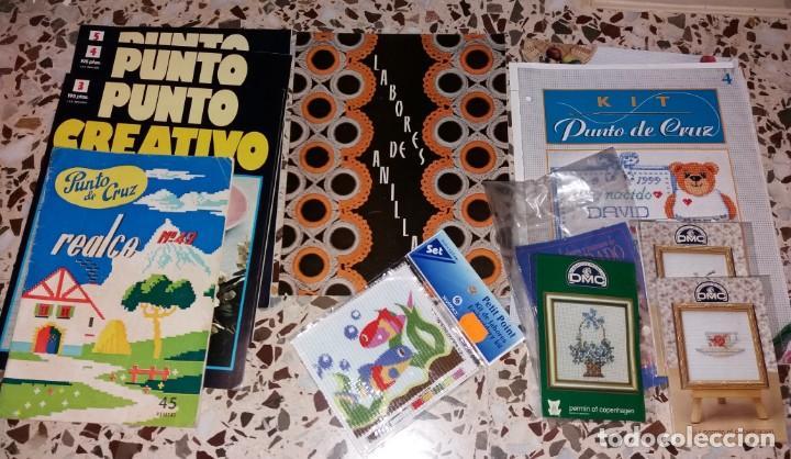 Coleccionismo de Revistas y Periódicos: Moda vintage. Revistas de labores (punto de cruz, ganchillo, anillas, patrones, etc). 5 kilos - Foto 2 - 147618406
