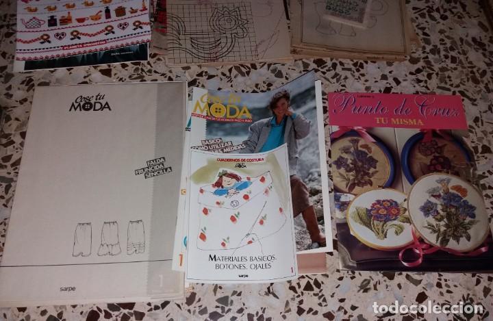 Coleccionismo de Revistas y Periódicos: Moda vintage. Revistas de labores (punto de cruz, ganchillo, anillas, patrones, etc). 5 kilos - Foto 3 - 147618406