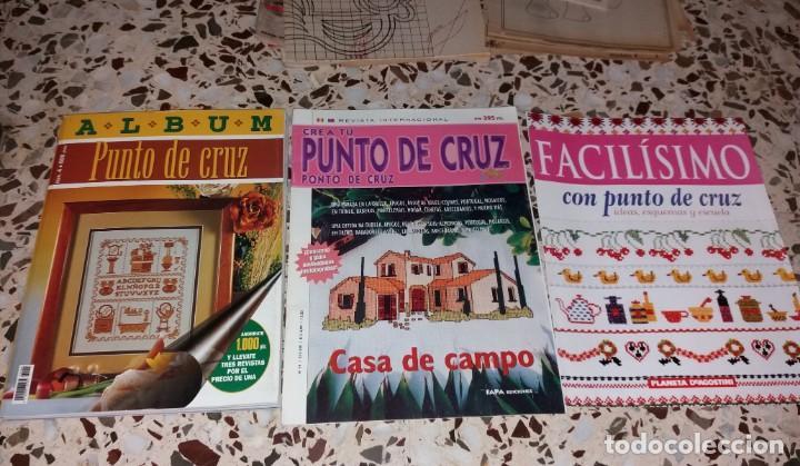 Coleccionismo de Revistas y Periódicos: Moda vintage. Revistas de labores (punto de cruz, ganchillo, anillas, patrones, etc). 5 kilos - Foto 4 - 147618406
