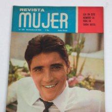 Coleccionismo de Revistas y Periódicos: REVISTA MUJER, SACHA DISTEL, NÚM. 329, 1964, NOVIEMBRE. 30,5X21,5CM. Lote 150095722