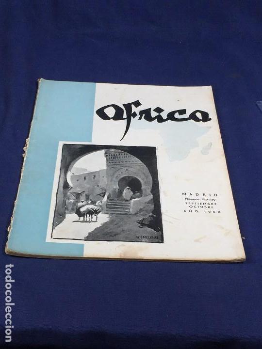 REVISTA ÁFRICA FUNDADA POR FRANCO Nº 129 130 SEPTIEMBRE OCTUBRE AÑOS 1952 MADRID (Coleccionismo - Revistas y Periódicos Modernos (a partir de 1.940) - Otros)