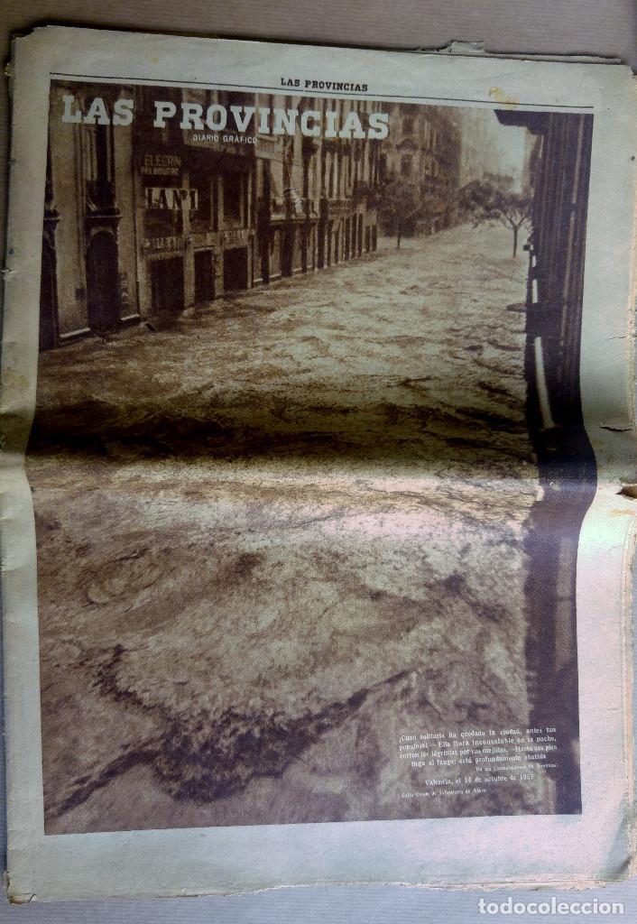 LAS PROVINCIAS - NÚMERO 14 DE OCTUBRE DE 1957 , RIADA DE VALENCIA. MUCHAS FOTOGRAFIAS (Coleccionismo - Revistas y Periódicos Modernos (a partir de 1.940) - Otros)