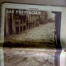 Coleccionismo de Revistas y Periódicos: LAS PROVINCIAS - NÚMERO 14 DE OCTUBRE DE 1957 , RIADA DE VALENCIA. MUCHAS FOTOGRAFIAS. Lote 153237806