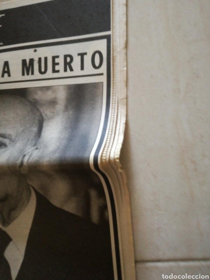 Coleccionismo de Revistas y Periódicos: PERIÓDICO YA REFERENTE A LA MUERTE DE FRANCO - Foto 2 - 162583266