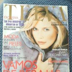 Coleccionismo de Revistas y Periódicos: REVISTA TELVA N 741 - ENERO 2001 - CLAUDIA SCHIFFER EN PORTADA. Lote 176867435