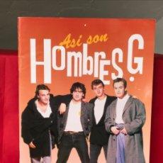 Coleccionismo de Revistas y Periódicos: HOMBRES G 1988 REVISTA ASI SON LOS HOMBRES G ERISA POSTER CENTRAL HISTORIA CONCIERTOS HOMBRES G PERF. Lote 182456080