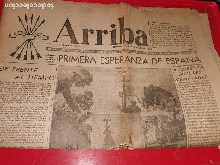 PERIODICO ARRIBA NUMERO 859 JUEVES 1 DE ENERO DE 1942 (Coleccionismo - Revistas y Periódicos Modernos (a partir de 1.940) - Otros)