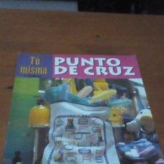 Coleccionismo de Revistas y Periódicos: REVISTA PUNTO DE CRUZ. TU MISMA. NUM. 18. BBB. Lote 194360915